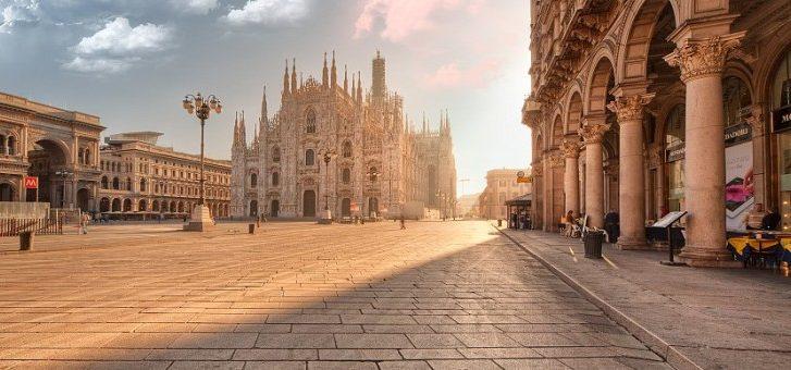 alba_in_piazza_del_duomo_a_milano_italy_n_2_by_zefirino-d4v4eez-825x340