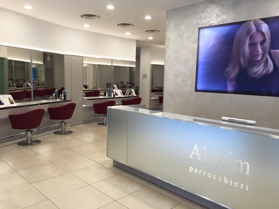 Salone parrucchiere milano alexim parrucchieri for Arredamento parrucchieri milano