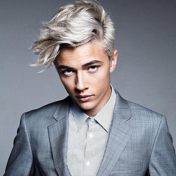 Siete pronti a decidere il colore capelli uomo più adatto al vostro stile?  Vi aspettiamo nel nostro salone Alexim per ricevere una consulenza da parte
