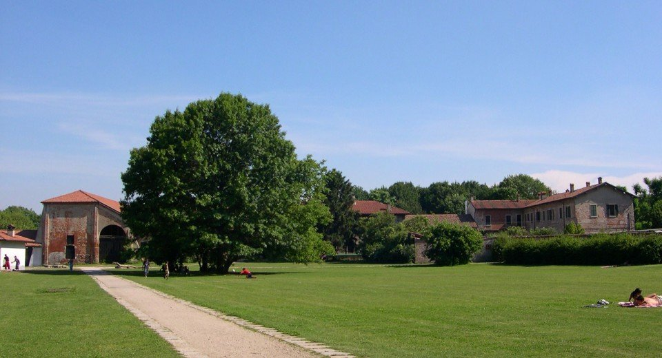 http://www.comune.milano.it/wps/portal/ist/it/vivicitta/verde/parchi/boscoincitta