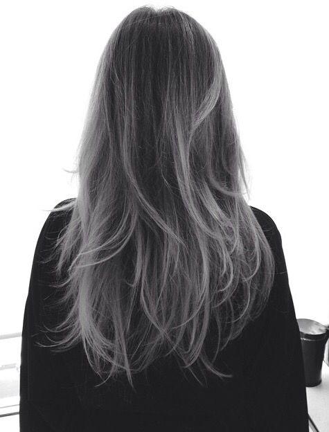 Shatush capelli  come portare lo shatush grigio 5ae956541b59