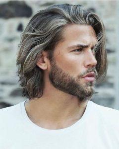 Tagli capelli uomo lisci lunghi
