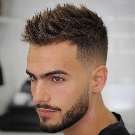 Tagli di capelli corti con cresta uomo
