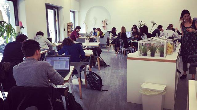 bar con coworking a Milano