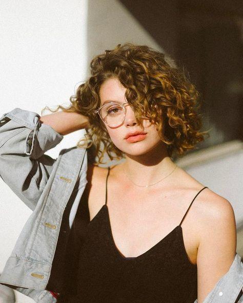 protezione capelli ricci estate