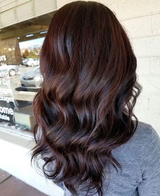 capelli scuri estate 2018