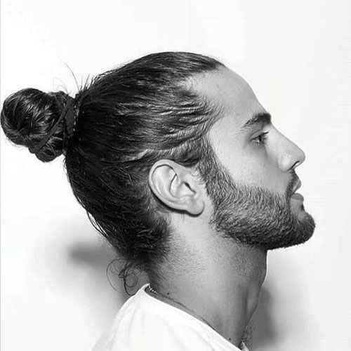 capelli lunghi uomo