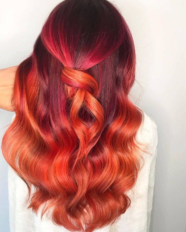 balayage colorati, capelli color tramonto