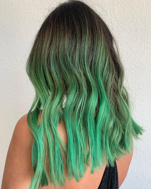 balayage colorato, capelli color menta