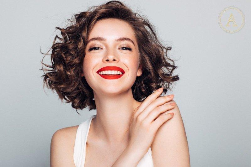 Tagli capelli ricci lunghi estate 2019
