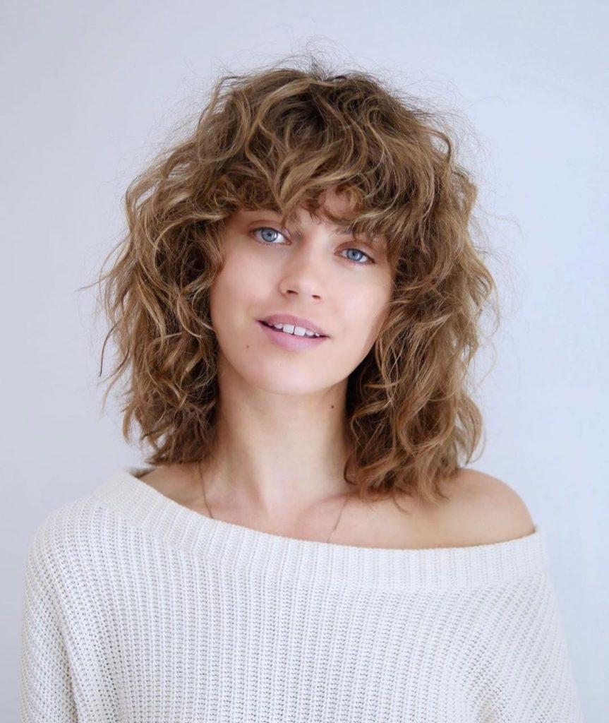 tagli capelli ricci estate 2020